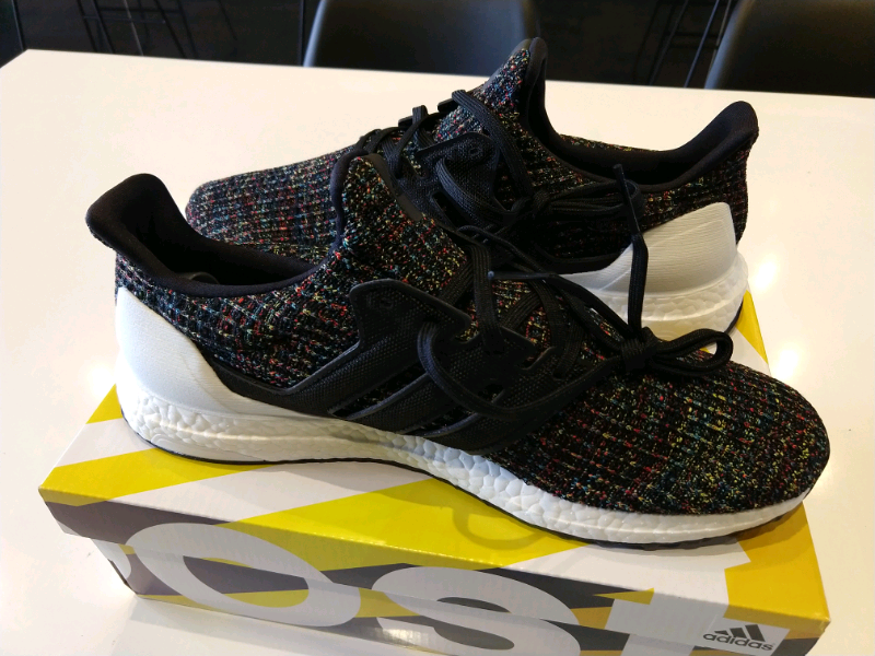 Adidas ultraboost core blackcore blackactive red