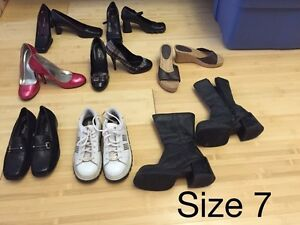 8 pairs of size 7 women's shoes