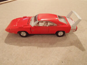 1:43 SCALE DIE-CAST ROAD CHAMPS 1969 DODGE DAYTONA R-4 RED