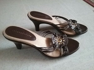 LADIES shoes and sandals Cornwall Ontario image 7