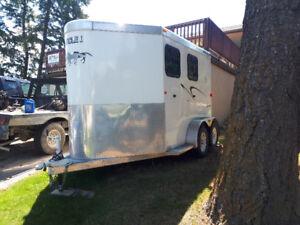 2013 Circle J 2 horse slant haul with tack room