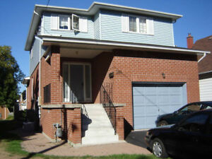 3 Bedroom House in Central Oshawa - All Inclusive
