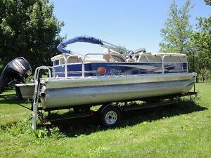 Pontoon Boat Imaculate