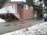 Large 4 Bedroom Duplex for Rent,close to all amenities, SICAMOUS