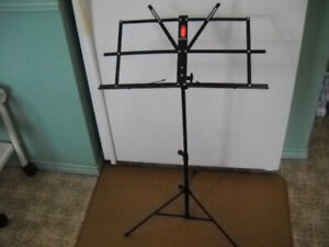 Black Metal Music Stand  Excellent Condition.