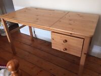 Wooden desk with 2 drawers