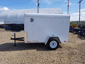 New United Trailers 5x8 enclosed cargo utility trailer