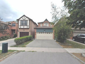 Beautiful 3 bed,3.5 bath detached house for rent in Thornhill