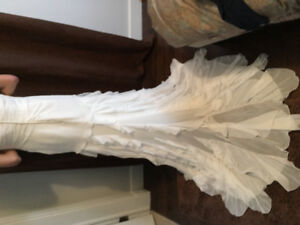 Beautiful beaded strapped wedding dress w/ removable train