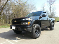 2004 Chevrolet Colorado LS Pickup Truck