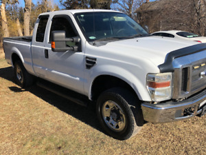 2008 FORD F-250 XLT 4X4  6 1/2 FOOT BOX NO RUST