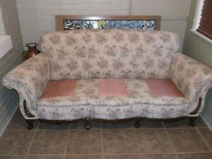 beautiful antique Kroehler chesterfield