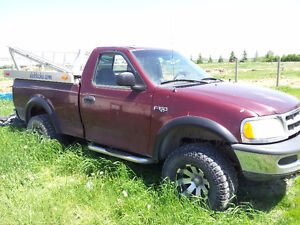 1997 Ford F-150 4x4 4.2L V6 - For Parts or Repair