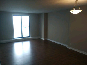 2 bedroom apartment near downtown Halifax, *free wifi & power