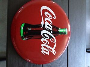 Collectible Coca Cola button- Great for Christmas! London Ontario image 3