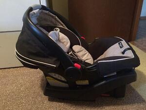 Car seat GRACO SnugRide Stratford Kitchener Area image 1