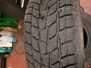 Pneus hivers 185/65r14 whinter edge