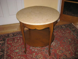 Queen Anne Style Vintage Walnut Side / Accent Table w. Marble