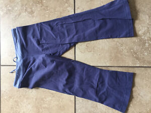 Ladies Size 10 Lululemon Gather and Grow Crops - 2 pairs