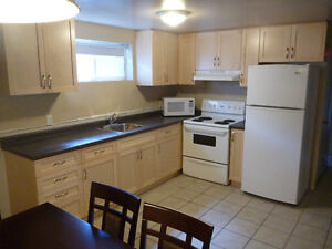 1 month FREE! Fully furnished unit for Sept 1st!