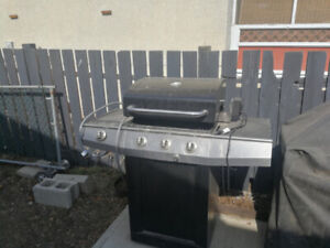 Gas barbaque, excellent shape with a electric rotisserie.