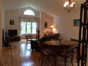 Beautiful, Sunny 2 Bedroom Condo for Rent St-Lazare West Island Greater Montréal image 2