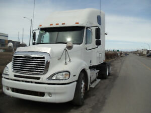 FREIGHTLINER COLUMBIA 2005 EXELLENT CONDITION automat