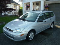 NOT RUNNING - 2002 Ford Focus Wagon SE for parts / rebuild