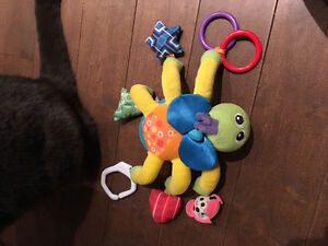 Baby toys 3$ each/ jouets 3$ chaque