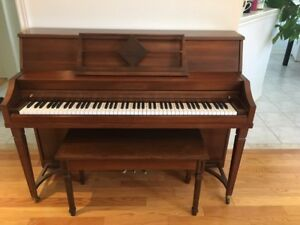 Upright piano for sale(urgent)