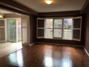 3 Bed,3 Bath townhouse in Aurora,New and Bright