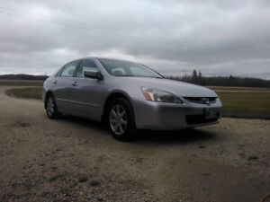 2004 Honda Accord V6 in EXCELLENT condition w. winter tires