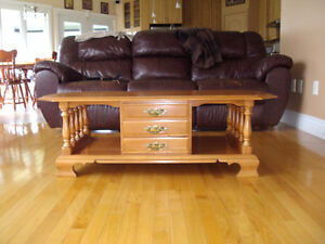 ROXTON SOLID MAPLE COFFEE TABLE