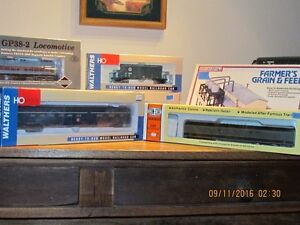 LARGE ASSORTMENT OF H.O. SCALE USED AND NEWER... London Ontario image 4