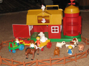 Farm Set - Compact with carrying handle by L'il Playmates
