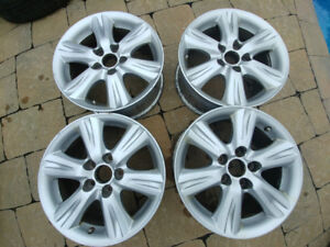 4 mags 16 po. toyota camry bolt patther 5x114.3 centre 60.1 et s