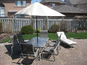 Patio set - Table, 6 chairs and unbrella