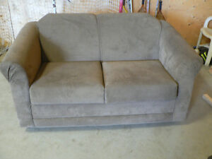 Couch with Pullout Single Bed For Sale