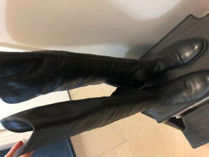 Geox women's boots... almost new! Size 37.