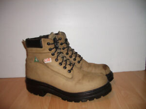 Safety Boots steel toe work boots --- size 11 - 12 US
