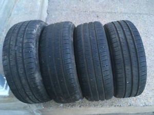 4 PNEUS / 4 ALL SEASON TIRES  205/55/16 KUMHO SOLUS