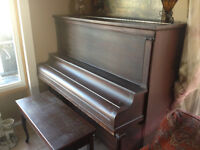 Piano from 1900s