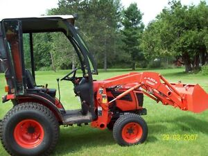 """Kubota B2320 , loader , tractor, 4WD with 54"""" blower."""