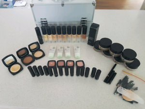 Arbonne Make-up kit
