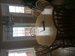Solid Rubber Wood Dining Table with 6 Chairs