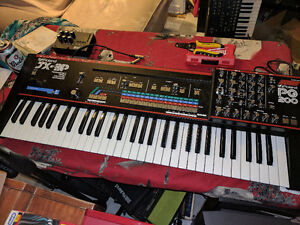 Roland jx3p with pg200 programmer. Analog synth. Polyphonic.