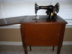 Functional1936 Cabinet Singer Sewing Machine