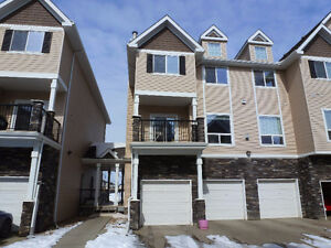 Clean and Spacious Three- Bedroom Townhome in South Terwillegar