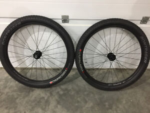 27.5+ Sun Ringle Duroc 40 BOOST Wheelset with Tires