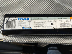Variety of 4ft fluorescent tube fixtures Stratford Kitchener Area image 4